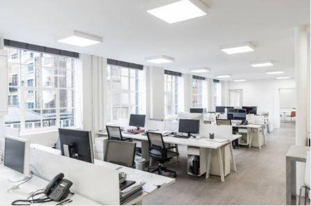 Bureau de 343 m², Antony (92160)