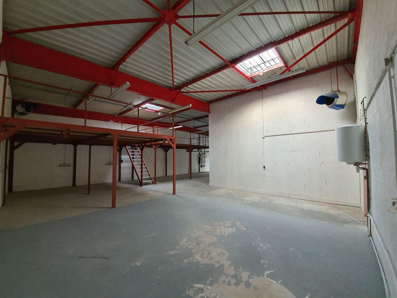locaux mixtes de 614m², Villebon-sur-Yvette (Essonne)