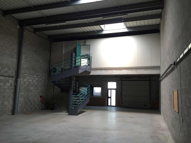 Local d'activités de 400 m², Wissous (91320)