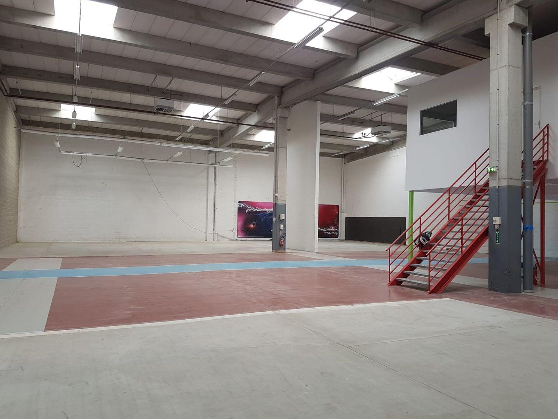 Local d'activités de 1 125 m², Lisses (91090)