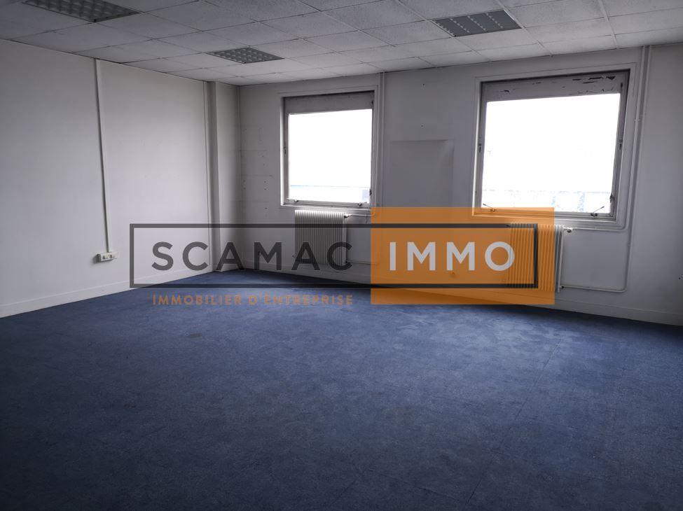 bureau de 180m², Aulnay-sous-Bois (Seine-Saint-Denis)
