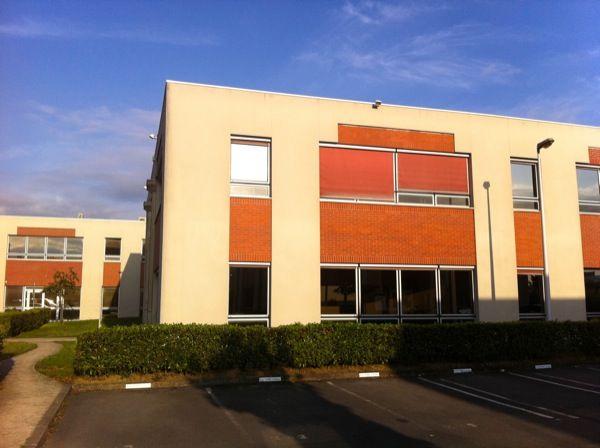 local d'activités de 737m², Émerainville (Seine-et-Marne)