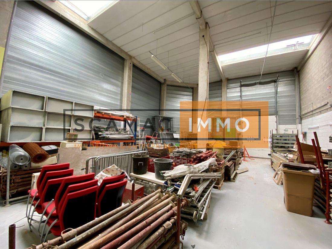 Local d'activités de 367 m², Émerainville (77184)