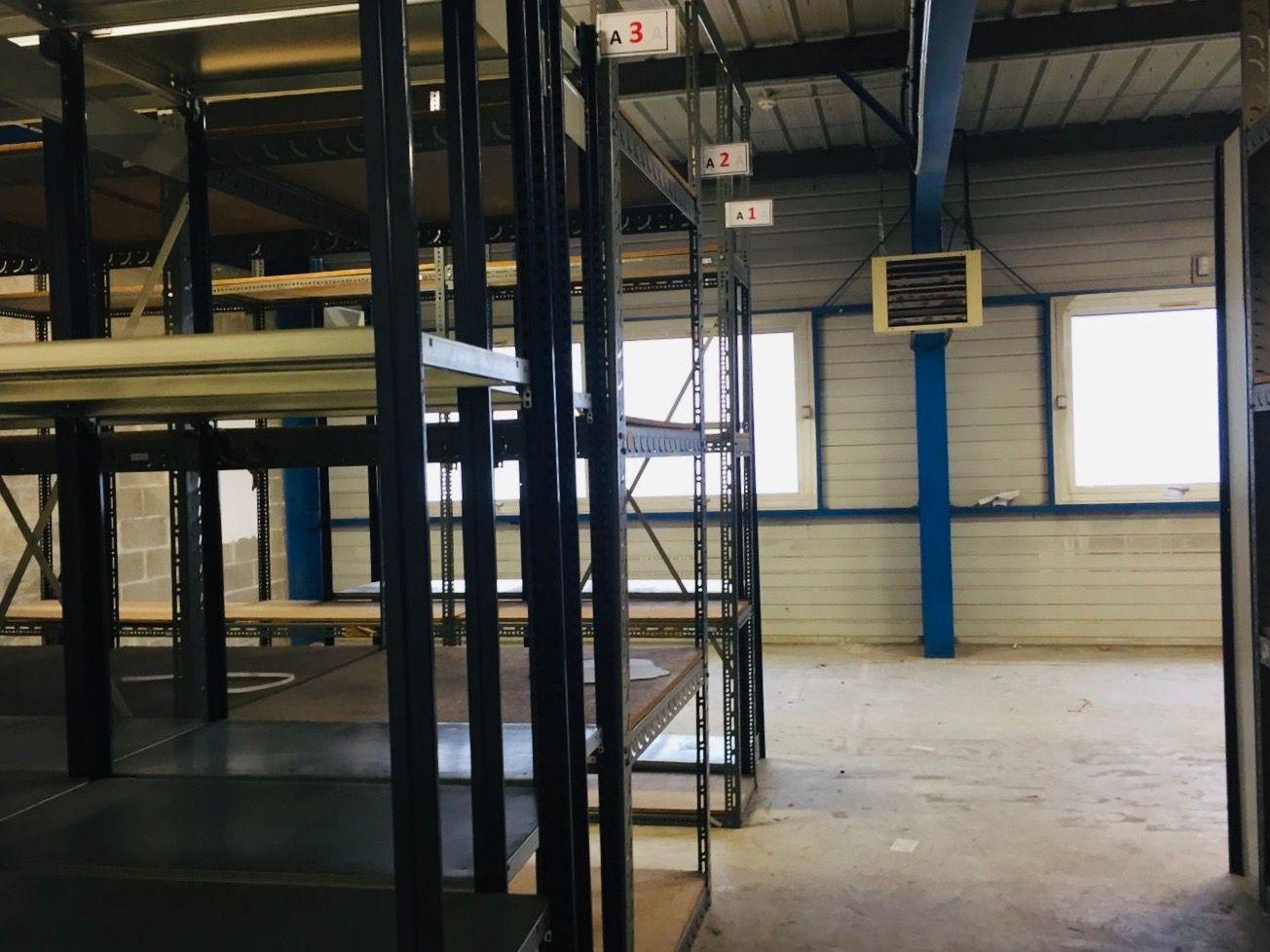 Local d'activités de 400 m², Vitry-sur-Seine (94400)
