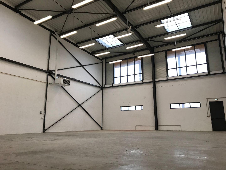 Local d'activités de 366 m², Collégien (77090)