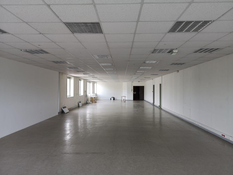 bureau de 233m², Pantin (Seine-Saint-Denis)