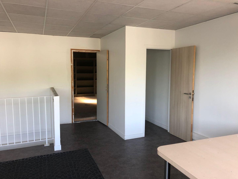 local d'activités de 405m², L'Hay-les-Roses (Val-de-Marne)