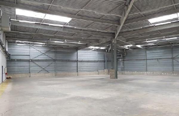 Local d'activités de 2 930 m², Collégien (77090)