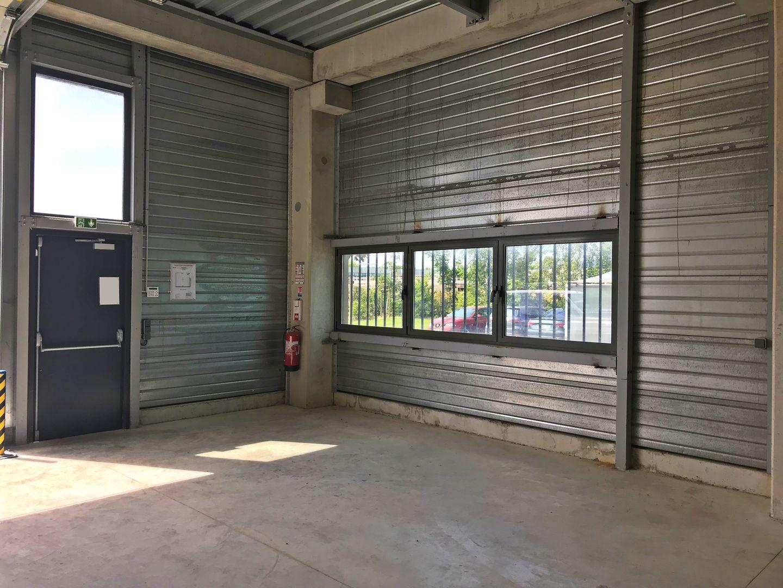 local d'activités de 263m², Serris (Seine-et-Marne)