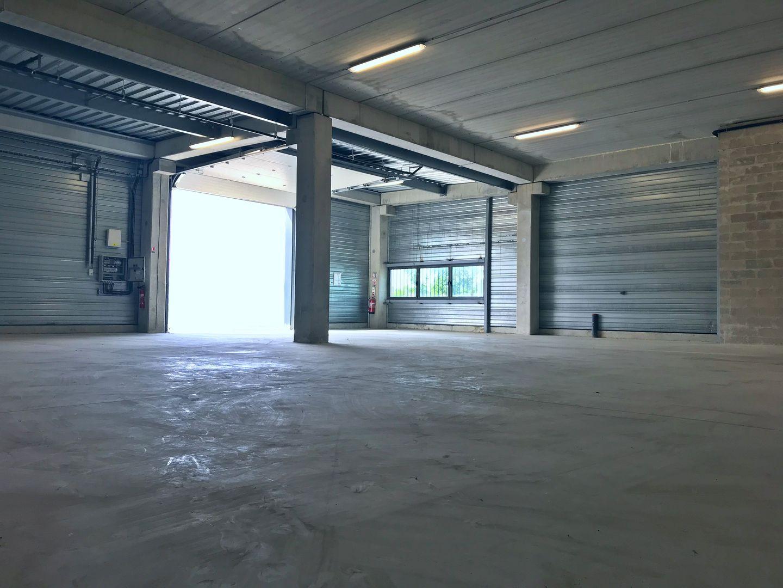 Local d'activités de 263 m², Serris (77700)