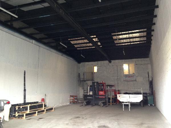 Entrepôt de 150 m², Saint-Germain-lès-Arpajon (91180)