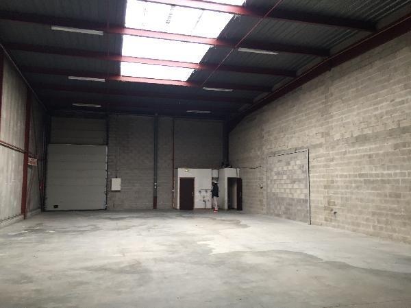 Local d'activités de 379 m², Bondoufle (91070)