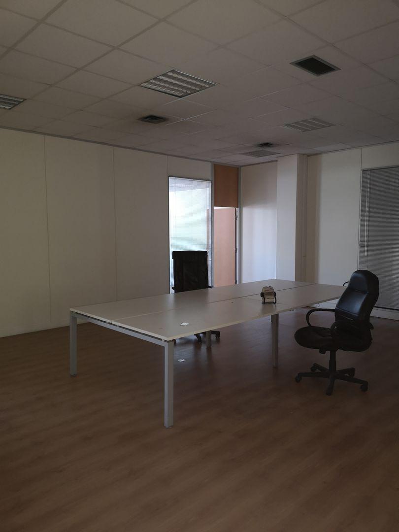 bureau de 186m², Saint-Denis (Seine-Saint-Denis)