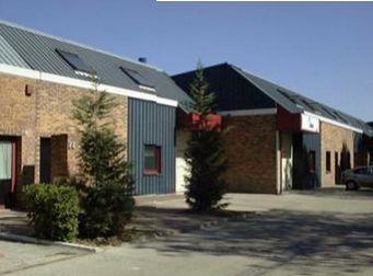 local d'activités de 200m², Évry (Essonne)