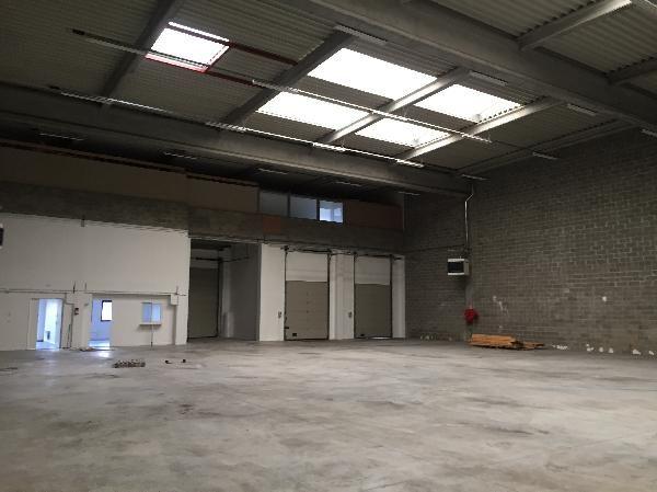 Local d'activités de 187 m², Moissy-Cramayel (77550)