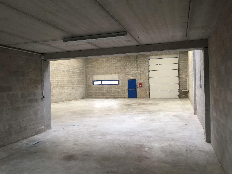 local d'activités de 240m², Lieusaint (Seine-et-Marne)