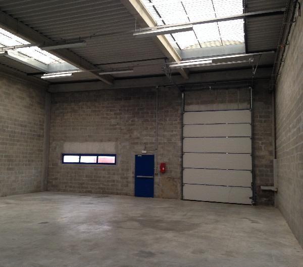 Local d'activités de 240 m², Lieusaint (77127)