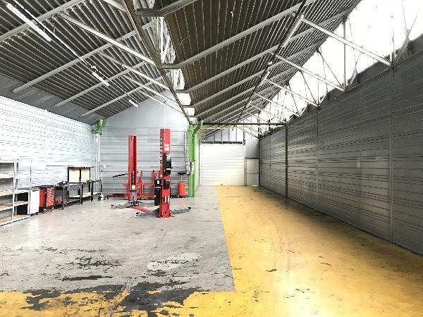 Local d'activités de 230 m², Meaux (77100)