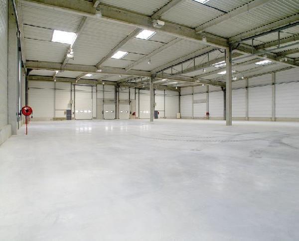 entrepôt de 470m², Lieusaint (Seine-et-Marne)