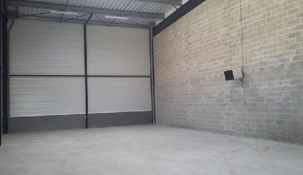 Local d'activités de 321 m², Bailly-Romainvilliers (77700)