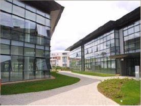Bureau de 404 m², Élancourt (78990)