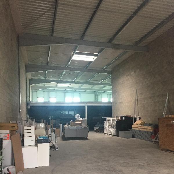 Locaux mixtes de 349 m², Grigny (91350)