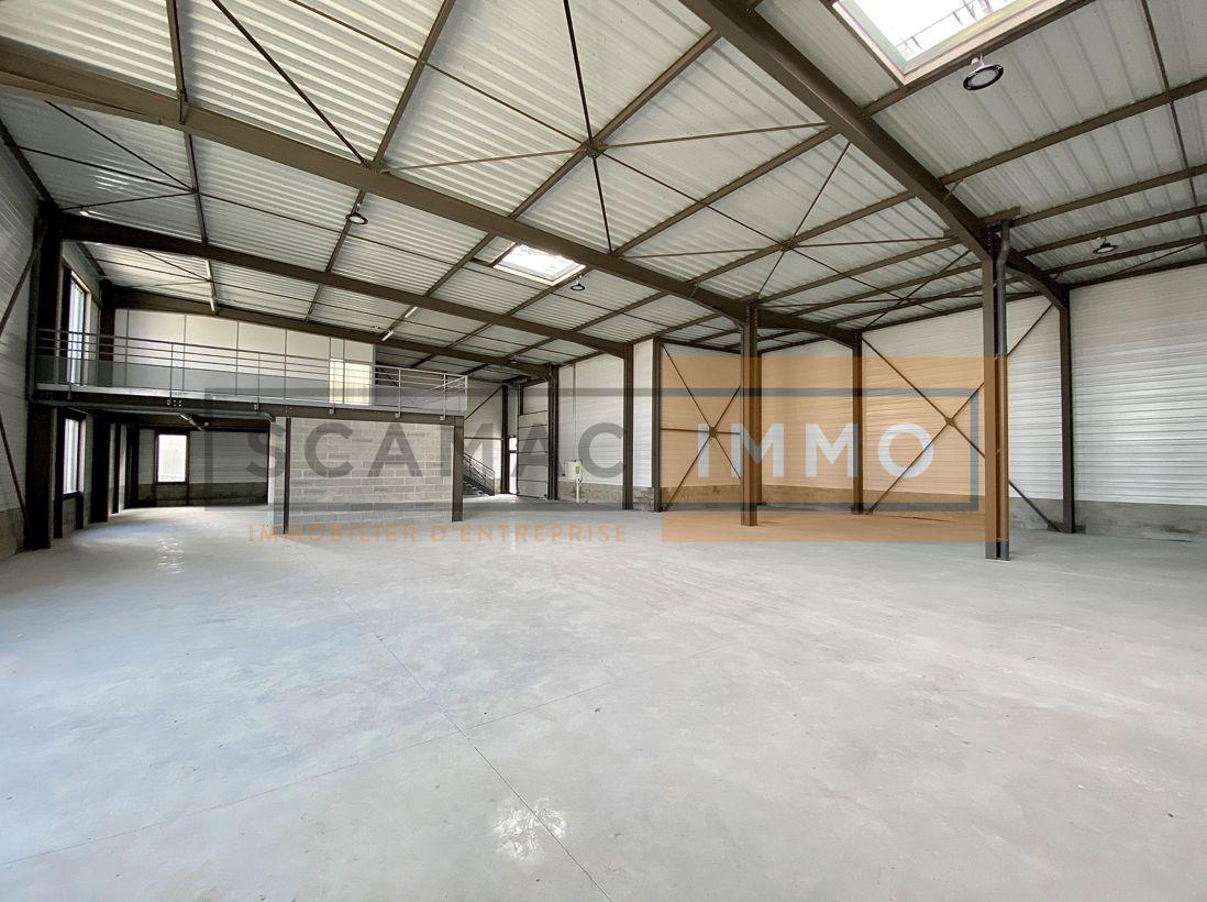 local d'activités de 552m², Chanteloup-en-Brie (Seine-et-Marne)
