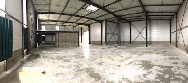 Local d'activités de 552 m², Chanteloup-en-Brie (77600)