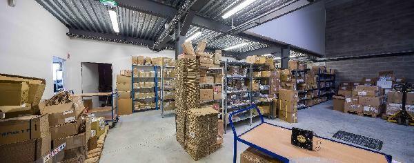 entrepôt de 300m², Lieusaint (Seine-et-Marne)