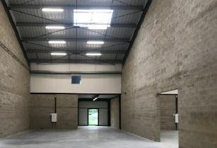 local d'activités de 494m², Conflans-Sainte-Honorine (Yvelines)
