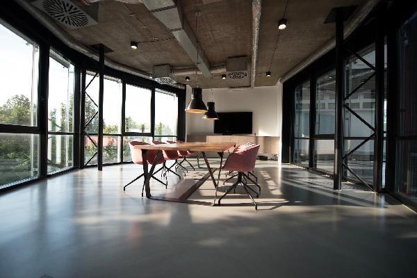 Bureau de 269 m², Groslay (95410)