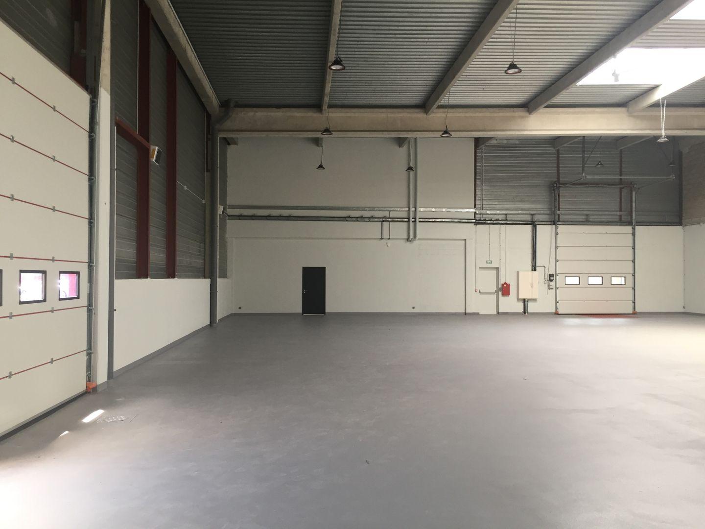 Local d'activités de 700 m², Tigery (91250)