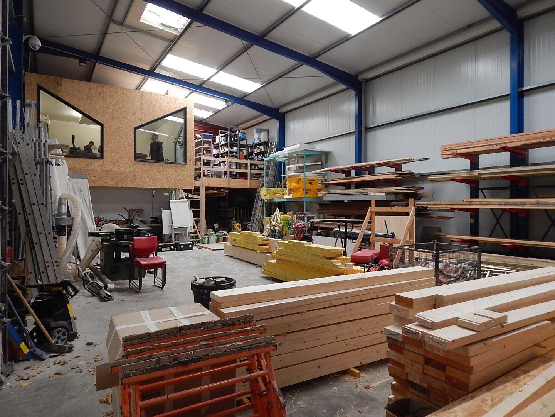 Local d'activités de 242 m², Brie-Comte-Robert (77170)