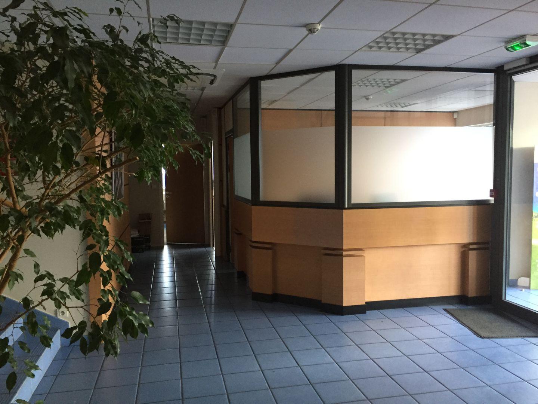 local d'activités de 3010m², Servon (Seine-et-Marne)