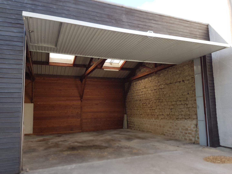 Local d'activités de 200 m², Ivry-sur-Seine (94200)
