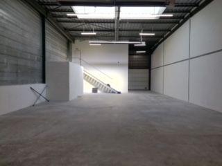 Local d'activités de 274 m², Villiers-sur-Orge (91700)