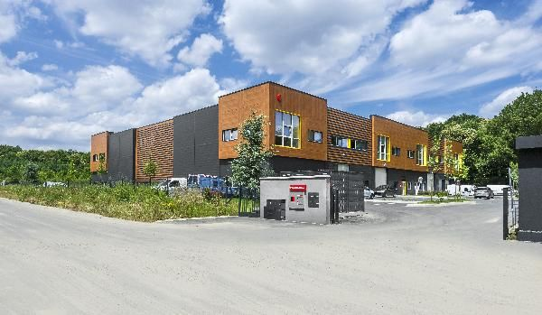 local d'activités de 748m², Villebon-sur-Yvette (Essonne)