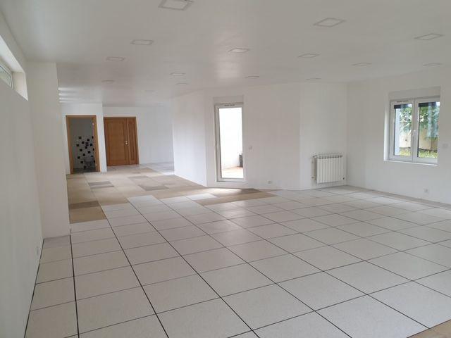 Bureau de 92 m², Saint-Maur-des-Fossés (94210)