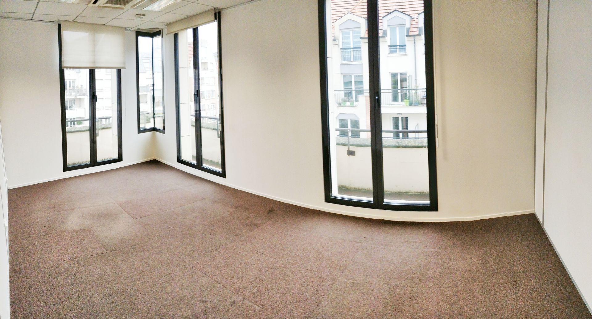 bureau de 348m², Saint-Maur-des-Fossés (Val-de-Marne)
