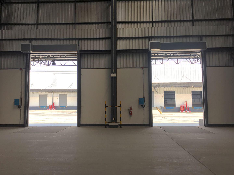 Local d'activités de 553 m², Vaux-le-Pénil (77000)