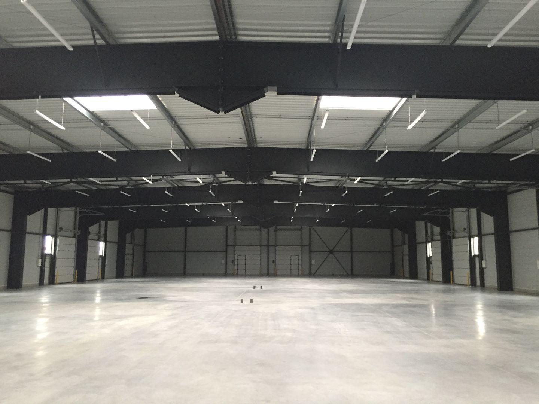 Local d'activités de 141 m², Saint-Fargeau-Ponthierry (77310)