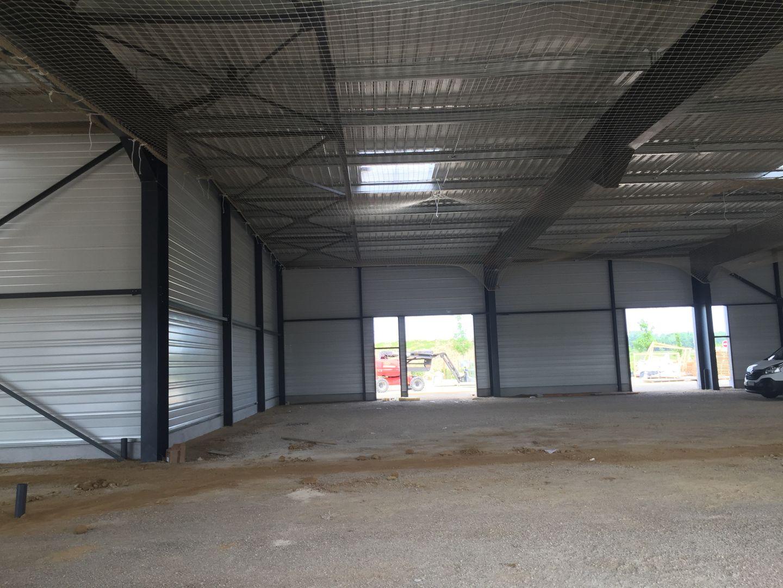 entrepôt de 150m², Saint-Fargeau-Ponthierry (Seine-et-Marne)