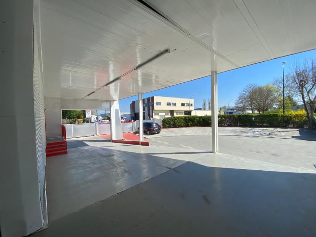 local d'activités de 918m², Sartrouville (Yvelines)