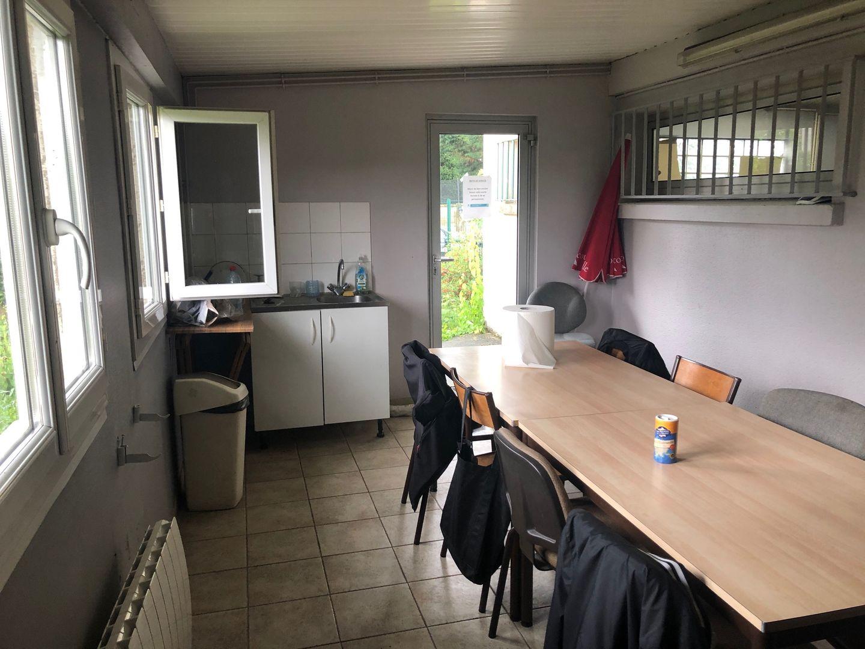 local commercial de 1797m², Pierrelaye (Val-d'Oise)