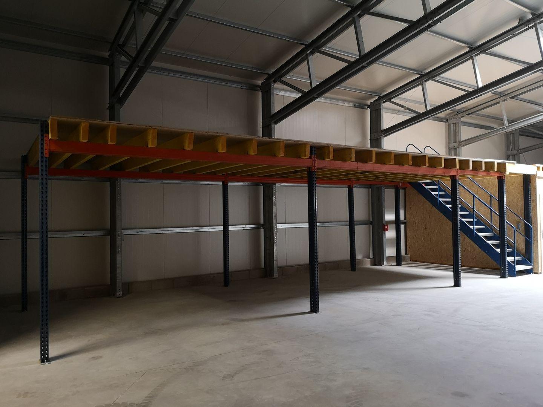 local d'activités de 422m², Mennecy (Essonne)