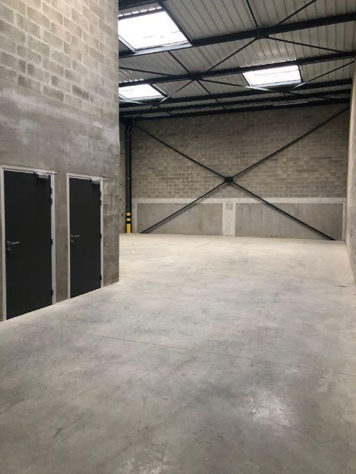 Local d'activités de 318 m², Groslay (95410)