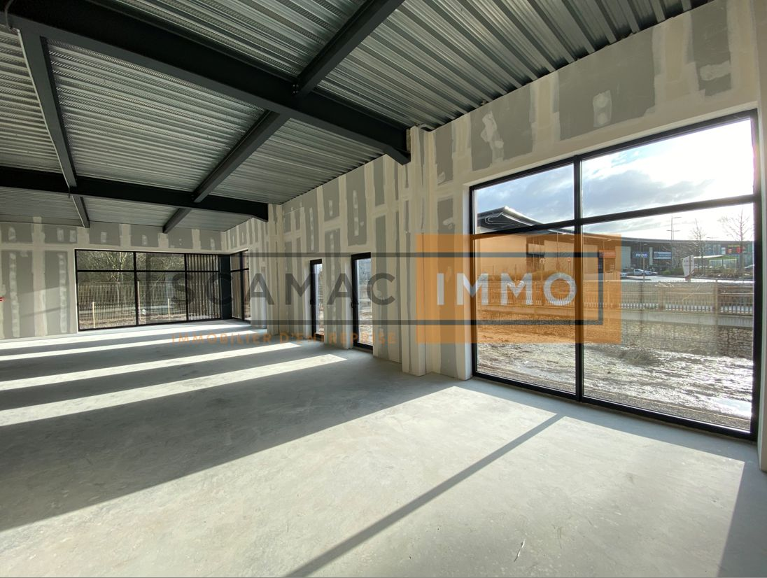 Local commercial de 155 m², Servon (77170)