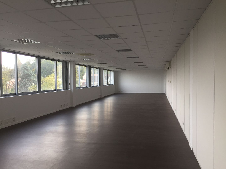 Bureau de 34 m², Dammarie-les-Lys (77190)