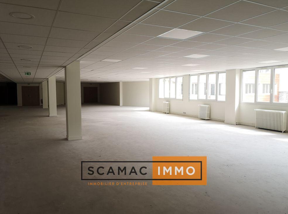 bureau de 559m², Saint-Denis (Seine-Saint-Denis)