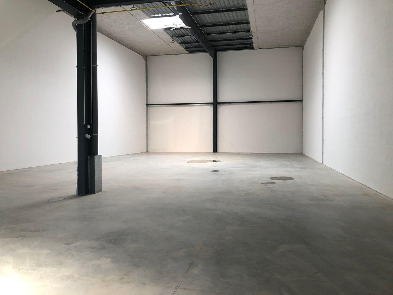 Local d'activités de 220 m², Villevaudé (77410)